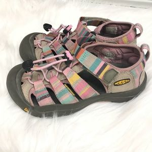 GIRLS YOUTH KEEN SANDALS IN Rainbow Size 2